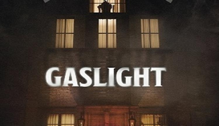 CATHERINE KINSELLA & NATHAN HORROCKS / GASLIGHT