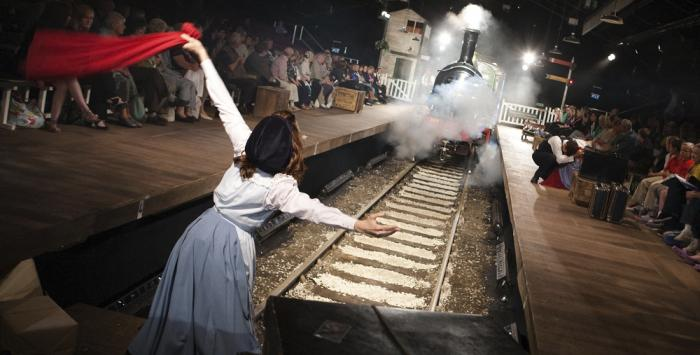 ELIANNE BYRNE / THE RAILWAY CHILDREN